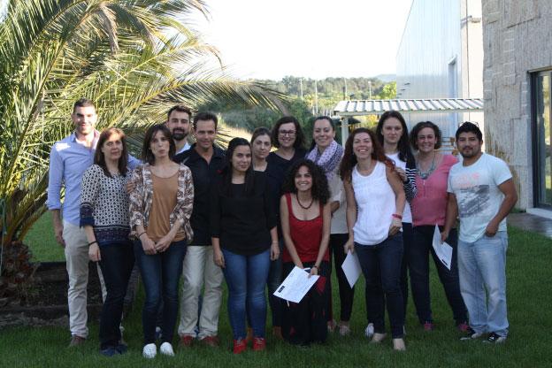 Luis Mampel y Víctor López con los participantes en el curso de Estética Controlada